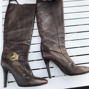 Burberry brown leather boots size 37-1/2